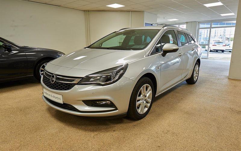 Solgt Opel Astra 1,4 Turbo Enjoy St., brugt 2017, km 4.747 i Kastrup