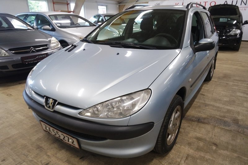 solgt peugeot 206 1 4 hdi sw brugt 2004 km i auning. Black Bedroom Furniture Sets. Home Design Ideas