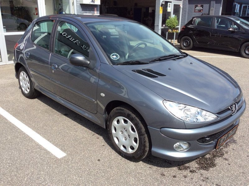 solgt peugeot 206 1 4 hdi comfort p brugt 2009 km i vadum. Black Bedroom Furniture Sets. Home Design Ideas