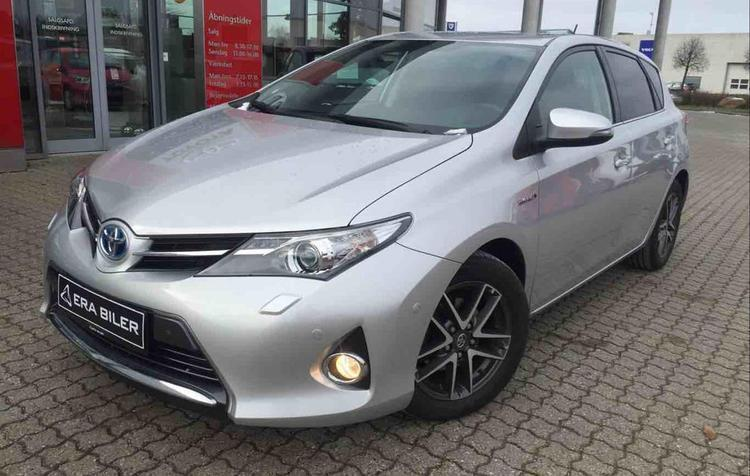 solgt toyota auris hybrid 1 8 vvt i brugt 2015 km i frederikssund. Black Bedroom Furniture Sets. Home Design Ideas