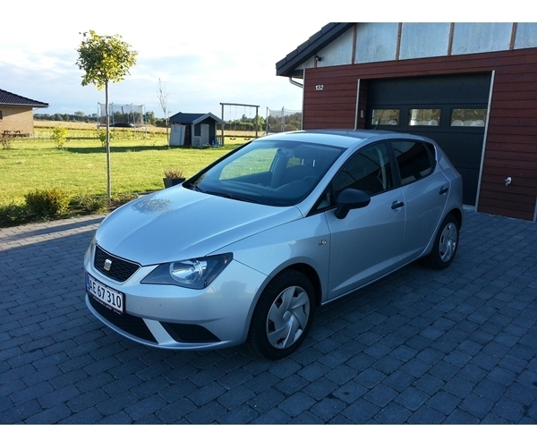 solgt seat ibiza 1 6 tdi 90 referen brugt 2013 km i n stved. Black Bedroom Furniture Sets. Home Design Ideas