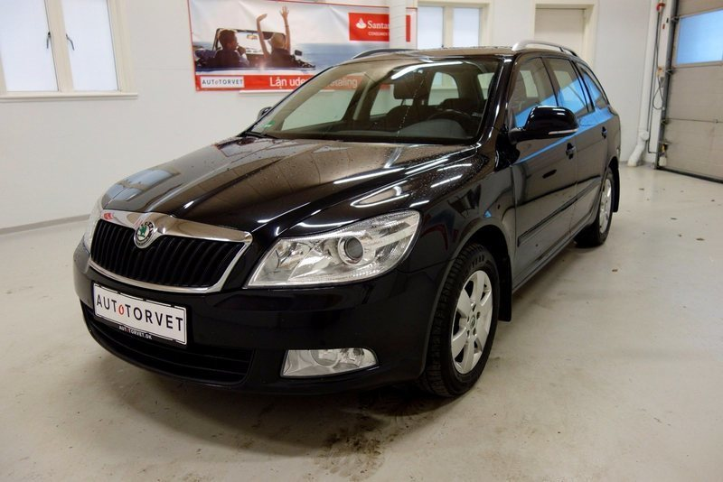 brugt 1 9 tdi 105 elegance combi dsg skoda octavia 2011 km i vodskov. Black Bedroom Furniture Sets. Home Design Ideas