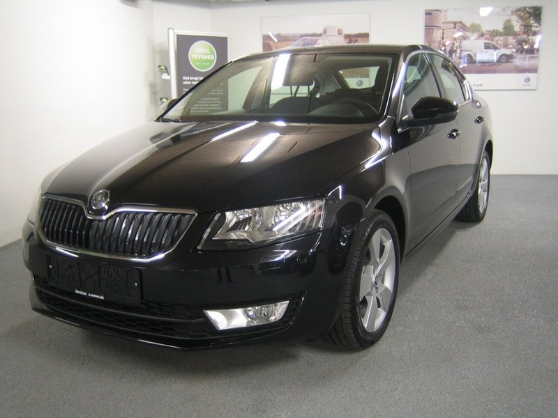 solgt skoda octavia 1 4 tsi 140 ele brugt 2013 km 0 i h jbjerg. Black Bedroom Furniture Sets. Home Design Ideas