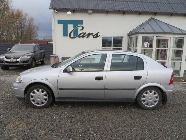 brugt Opel Astra 1.6 16V Hatchback Club 5g 5d