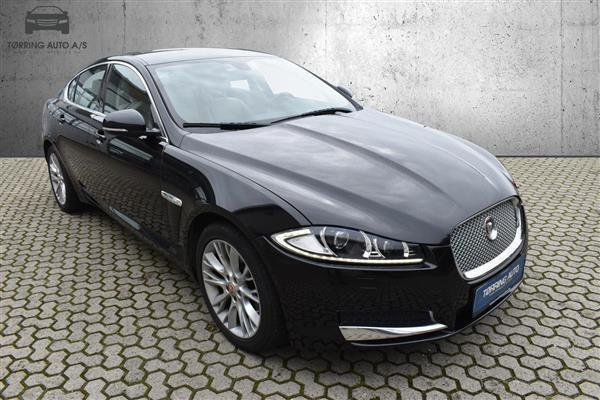 7f59cf44 09e2 4b27 b823 48bfee14e1e7 jaguar xf 2 2 i4d luxury 200hk 8g aut personbil
