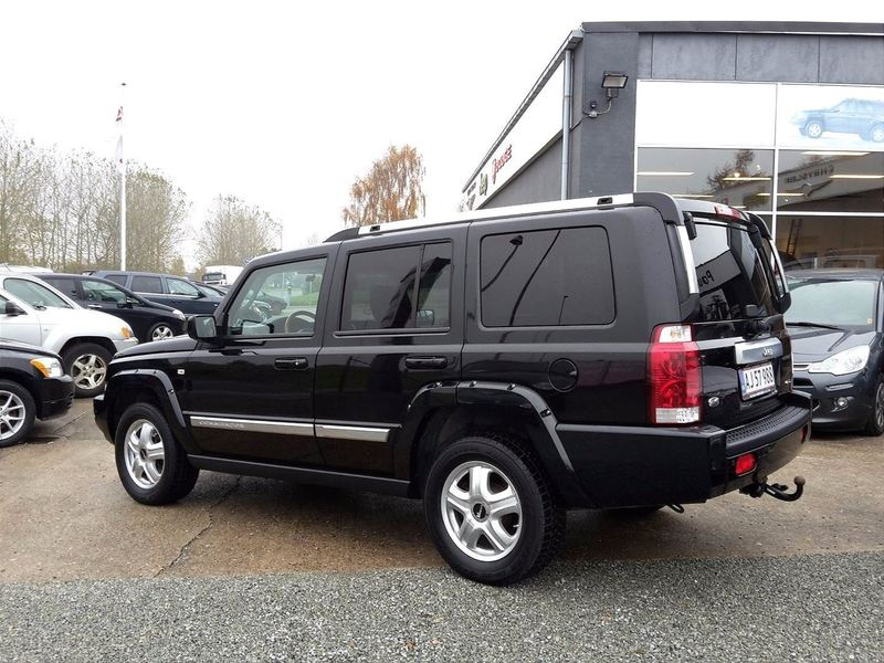 solgt jeep commander 3 0 crd limite brugt 2008 km 88. Black Bedroom Furniture Sets. Home Design Ideas