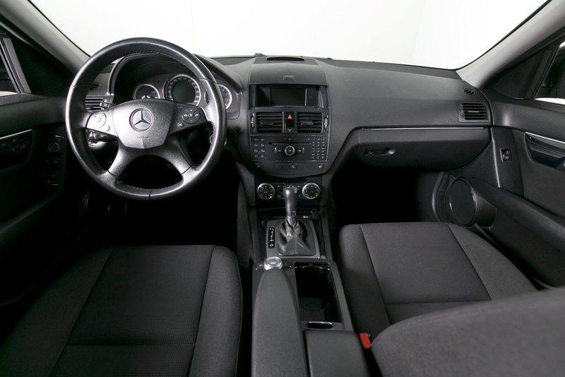 95320f30 3a47 4462 ac96 417f2d05909d mercedes c180 1 8 komp classic st car aut