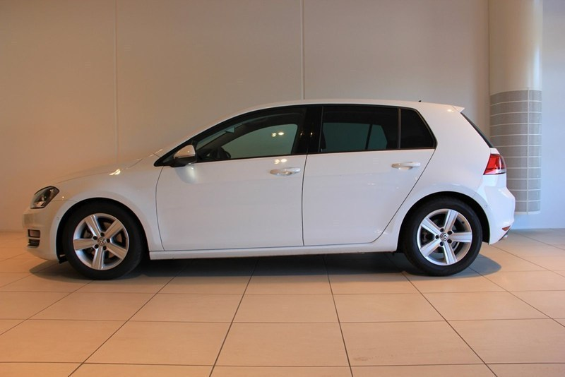 solgt vw golf vii 1 4 tsi 140 highl brugt 2013 km i k benhavn n. Black Bedroom Furniture Sets. Home Design Ideas