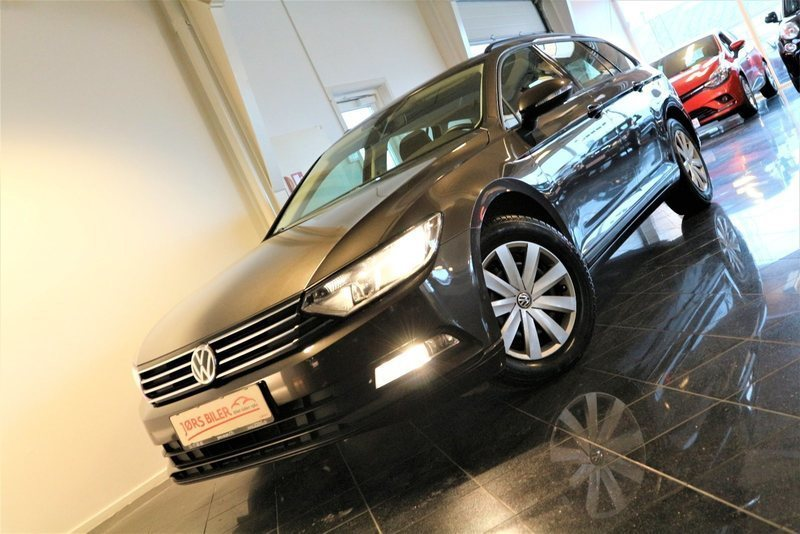 solgt vw passat 1 4 tsi 150 trendli brugt 2015 km i k ge. Black Bedroom Furniture Sets. Home Design Ideas