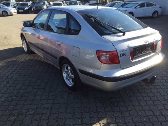 Brugt 1,6 GLS Hyundai Elantra – 2004, km 372.000 i Ishøj - AutoUncle
