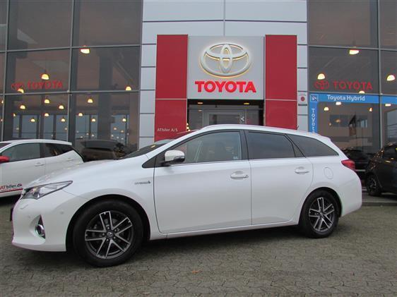 solgt toyota auris hybrid 1 8 vvt i brugt 2014 km i syddanmark. Black Bedroom Furniture Sets. Home Design Ideas