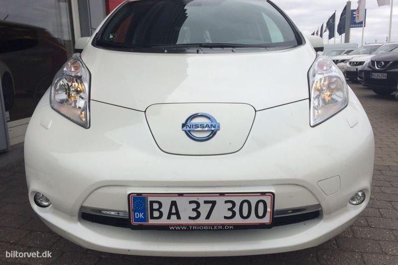 Ab26bf06 c79a 4b9f ae9a c001cd908b41 nissan leaf el el acenta 24 kwh 109hk 5d aut