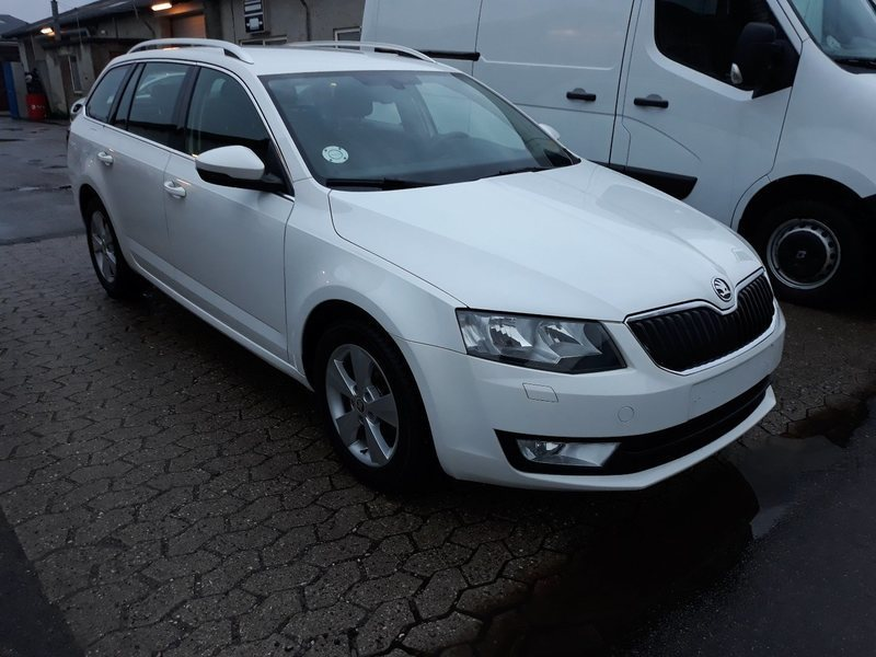 brugt 1 4 tsi 140 elegance combi skoda octavia 2014 km i br ndby. Black Bedroom Furniture Sets. Home Design Ideas