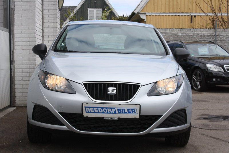 solgt seat ibiza 1 6 tdi 90 referen brugt 2009 km i hvidovre. Black Bedroom Furniture Sets. Home Design Ideas