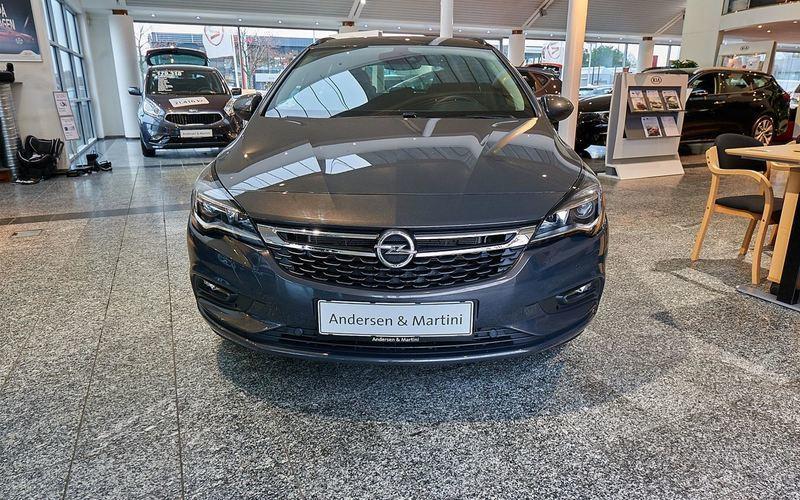 Solgt Opel Astra 1,4 Turbo Enjoy St., brugt 2016, km 9.843 i Kastrup