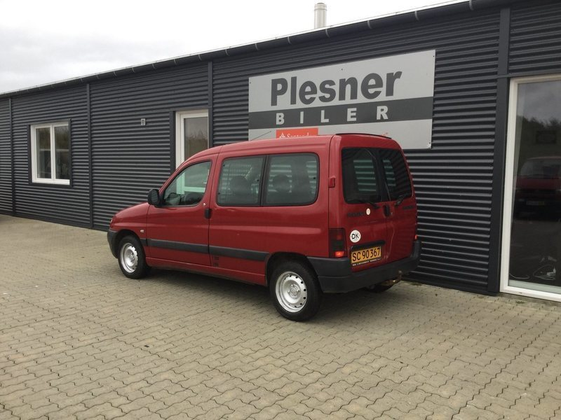 solgt peugeot partner 1 9 d kassevo brugt 2002 km i bramming. Black Bedroom Furniture Sets. Home Design Ideas