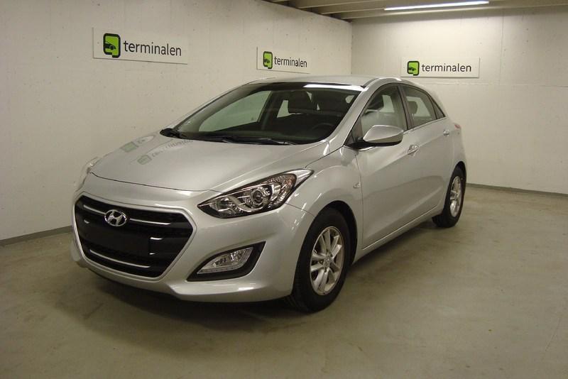 brugt Hyundai i30 1,6 CRDi 110 Premium 5