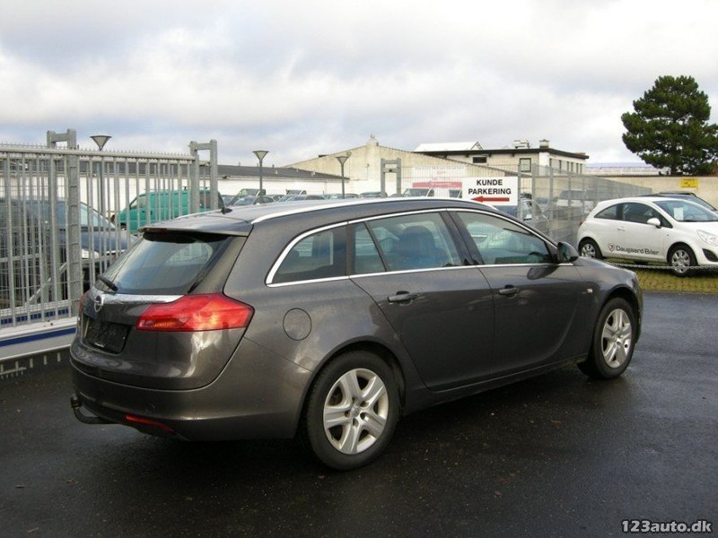 solgt opel insignia 1 8 edition st brugt 2009 km i s borg. Black Bedroom Furniture Sets. Home Design Ideas