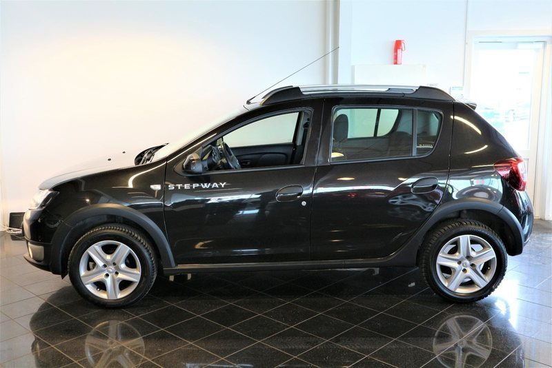 solgt dacia sandero stepway 0 9 tce brugt 2015 km 112. Black Bedroom Furniture Sets. Home Design Ideas