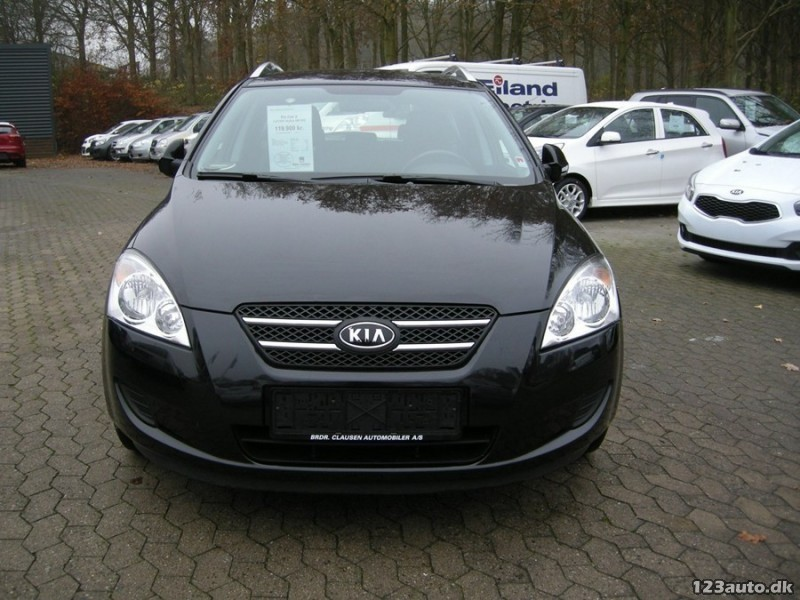 solgt kia cee 39 d 1 4 cvvt active sw brugt 2009 km 70. Black Bedroom Furniture Sets. Home Design Ideas