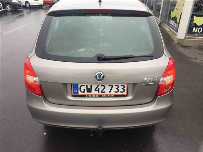 D8218345 cfab 401b 9793 32fdb14ffc71