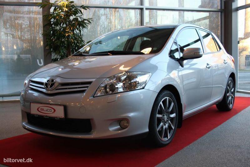 brugt Toyota Auris 1,4 D-4D DPF TX 90HK 5d