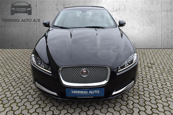 Df75ffbc dbcf 45c4 9d3d 330afef4c9fd jaguar xf 2 2 i4d luxury 200hk 8g aut personbil