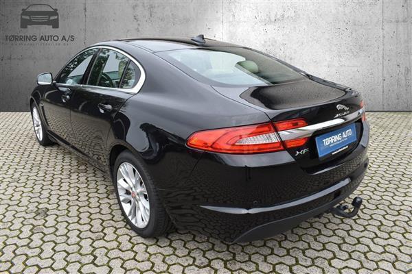 E0ff4131 fe24 4dd9 9207 b84ebe57063f jaguar xf 2 2 i4d luxury 200hk 8g aut personbil