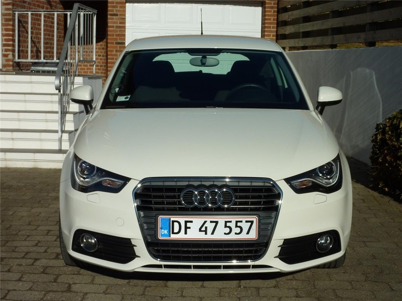 solgt audi a1 1 4 tfsi 122 ambition brugt 2011 km i aalborg. Black Bedroom Furniture Sets. Home Design Ideas