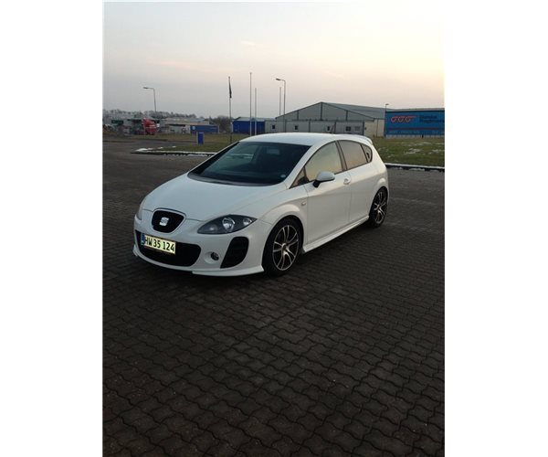 solgt seat leon 1 9 tdi 105 stylanc brugt 2009 km i store heddinge. Black Bedroom Furniture Sets. Home Design Ideas