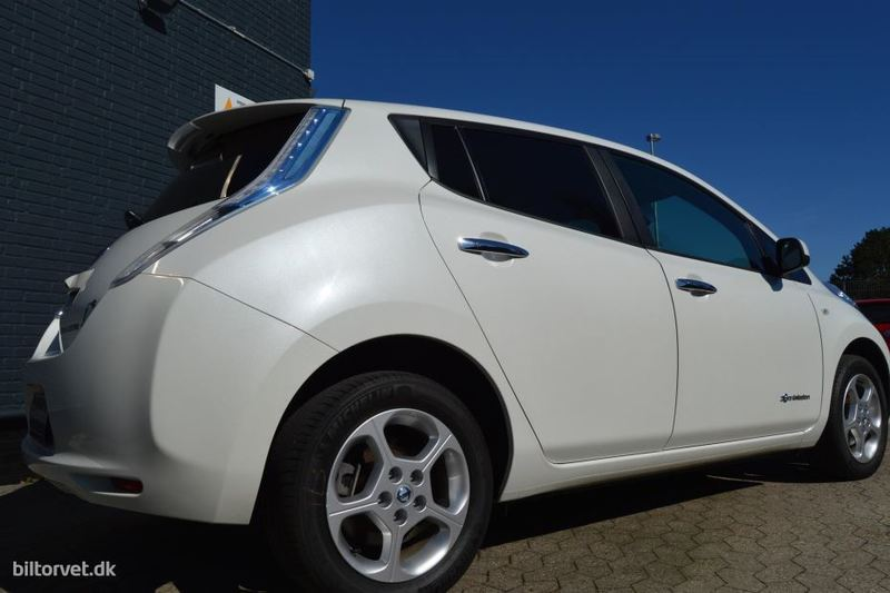 E861b3c4 0d8c 400e 83b9 8ac41ef2d218 nissan leaf el el acenta 24 kwh 109hk 5d aut