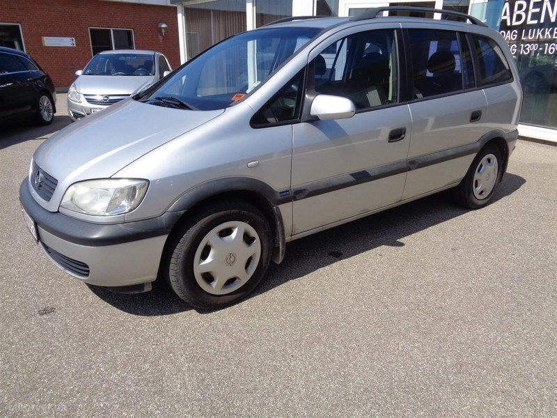 solgt opel zafira 1 8 16v 125hk brugt 2002 km i midtjylland. Black Bedroom Furniture Sets. Home Design Ideas
