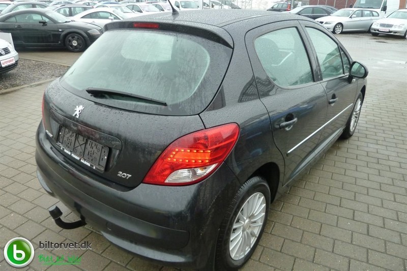 solgt peugeot 207 1 4 hdi 70 comfor brugt 2011 km i vodskov. Black Bedroom Furniture Sets. Home Design Ideas