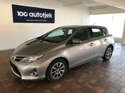 usata Toyota Auris 1,4 D-4D T2+