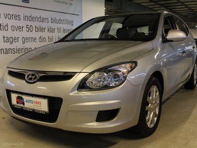 usado Hyundai i30 1,6 CRDi Classic Plus 90HK 5d 6g