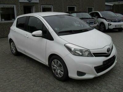 begagnad Toyota Yaris 1,4 D-4D T2 Van
