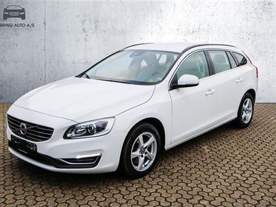 used Volvo V60 2,0 D3 Momentum 150HK Stc 6g Aut. - Personbil - hvid