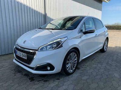 brugt Peugeot 208 Selection Sky 1,5 BlueHDi 100