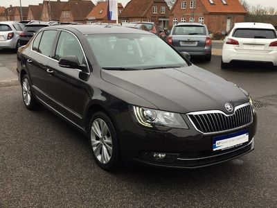 second-hand Skoda Superb 2,0 TDi 140 Elegance DSG