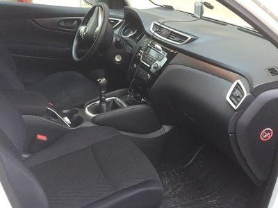 brugt Nissan Qashqai 1.2 DIG-T 2WD 6 M/T