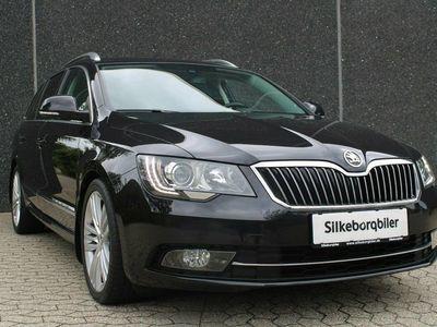 begagnad Skoda Superb 2,0 TDi 140 Elegance Combi DSG