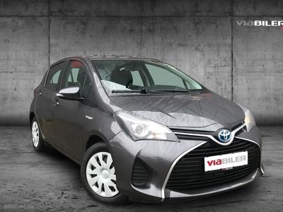 brugt Toyota Yaris Hybrid 1,5 B/EL Comfort Sport Safety Sense E-CVT 100HK 5d Trinl. Gear