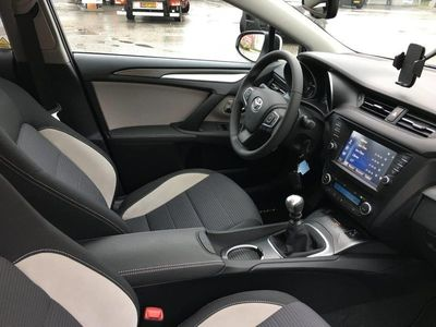 brugt Toyota Avensis 1,8 VVT-i T2 TS