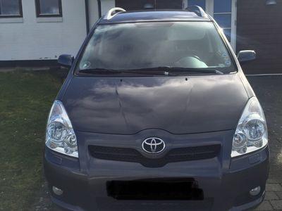 usata Toyota Corolla Verso 2.2 136 HK