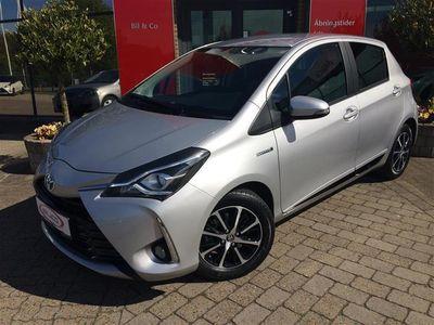 usado Toyota Yaris Hybrid 1,5 B/EL Premium Smart E-CVT 100HK 5d Trinl. Gear