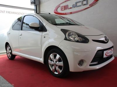 używany Toyota Aygo 1,0 VVT-I Black&White 68HK 5d