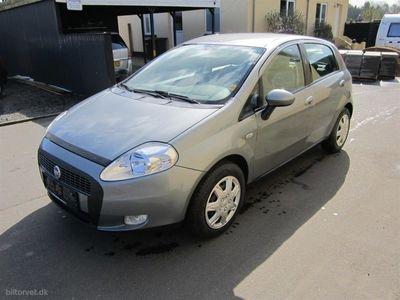 gebraucht Fiat Grande Punto 1,4 Active 77HK 5d