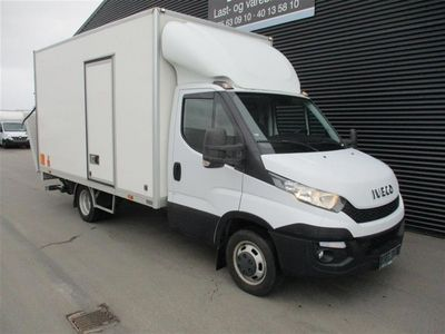 brugt Iveco Daily 35C15 2,3 D Alu.kasse m./lift 146HK Ladv./Chas. 2015