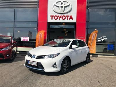usado Toyota Auris Hybrid 1,8 VVT-I Premium E-CVT 136HK 5d Aut.