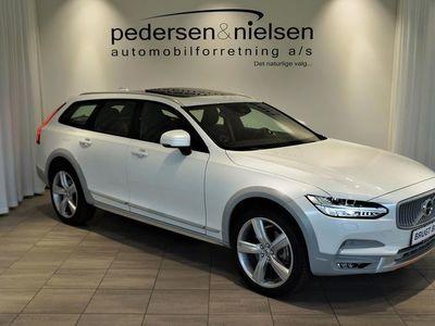 usado Volvo V90 CC 2,0 D5 Pro AWD 231HK Stc 8g Aut.